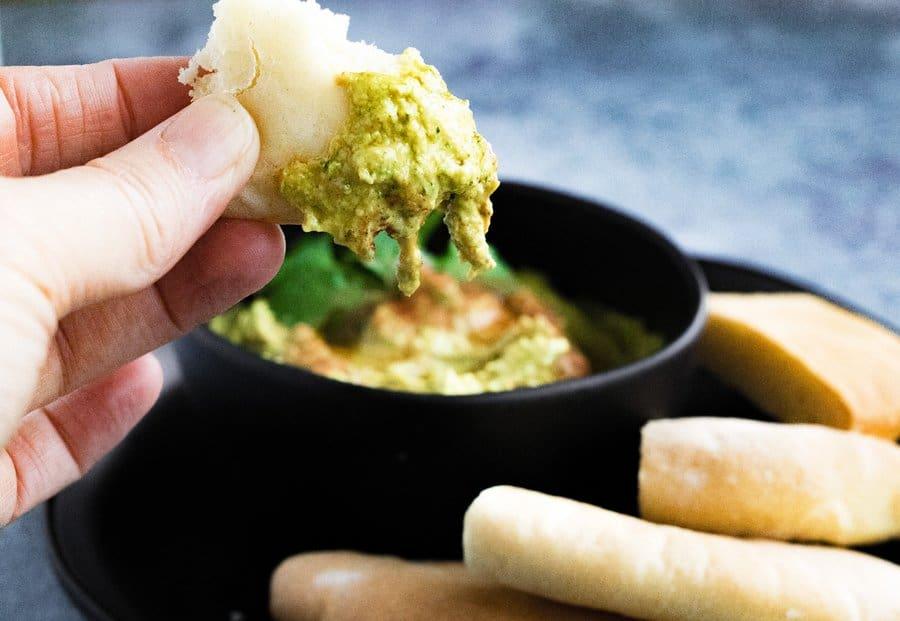 curry-hummus-dipped-pita