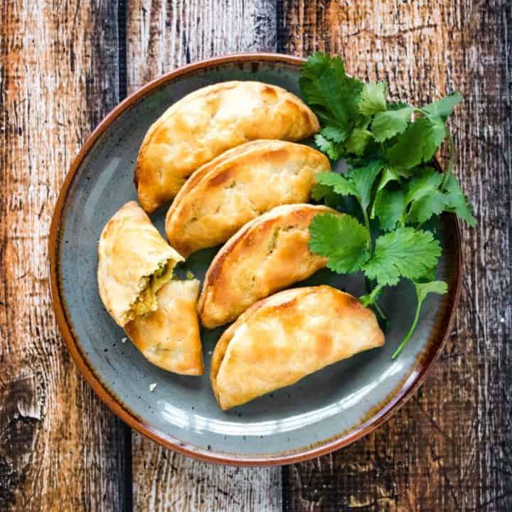 Easy Homemade Thai Curry Puffs